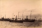 函館港内の汽船